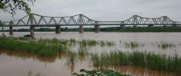 Long_bien_bridge 1200px TRIM