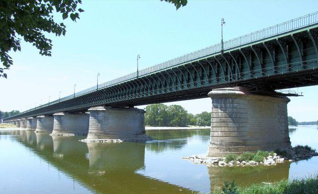 Pont-canal_de_Briare_-3 1200px