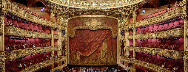 A_panoramic_view_of_the_Opera_Garnier_in_Paris,_6_July_2015 1200px
