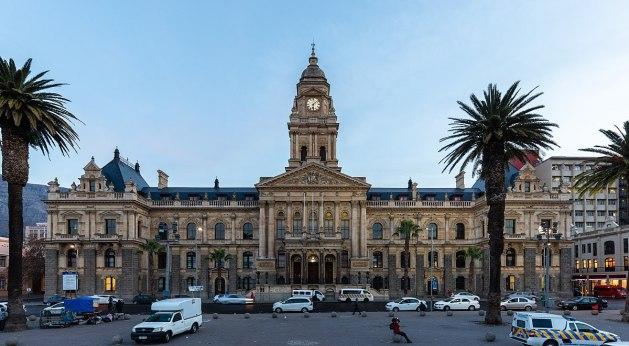 Ayuntamiento,_Ciudad_del_Cabo,_Sudáfrica,_2018-07-19,_DD_08 1200px
