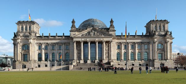 Berlin_reichstag_west_panorama 1200px