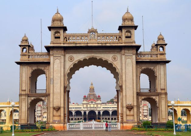 India Mysore_Palace_gate TRIM