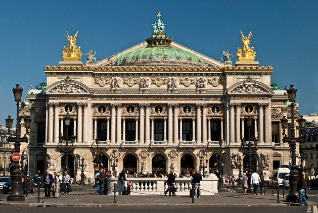 Paris_Opera_full_frontal_architecture,_May_2009 1200px