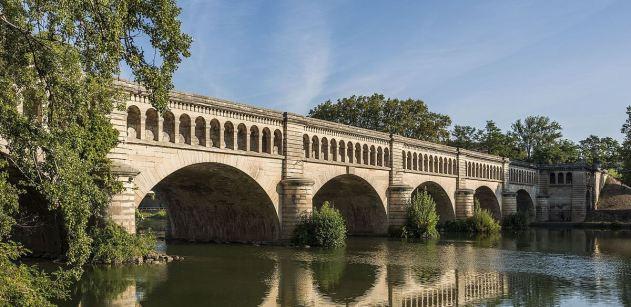 Pont-canal_de_l'Orb_cf07 1200px TRIM