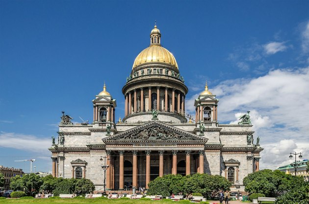 Saint_Isaac's_Cathedral_in_SPB 1200px