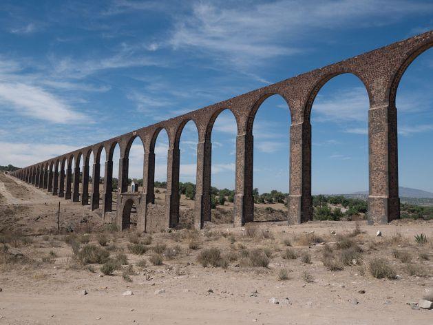 Zempoala_Aqueduct,_Acueducto_del_Padre_Tembleque,_Tepeyahualco_Aqueduct_2 1199px