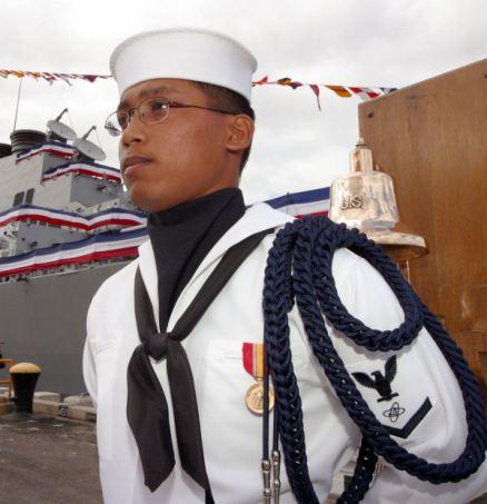 US_Navy_020905-N-3228G-005_Change_of_Command_aboard_USS_O'Kane TRIM KLEIN
